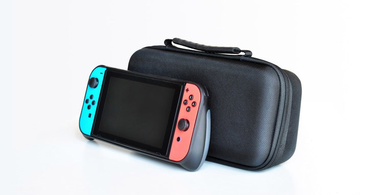 Nintendo Switch GripCase & MaxCarry Case Review