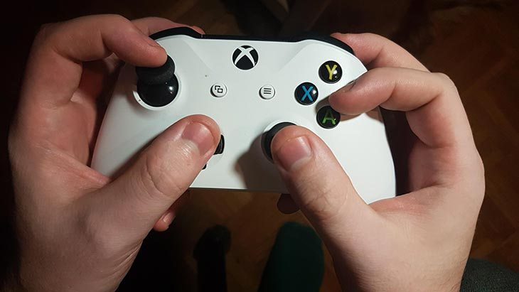 controller claw
